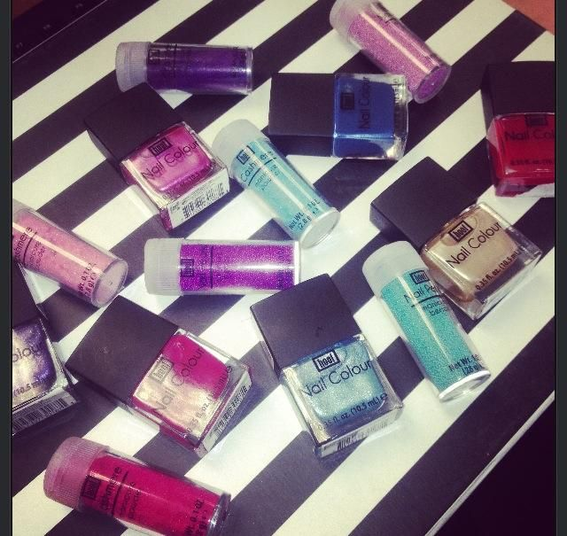 Nailart supplies! Hoof Nail Colour, Nail Pearls & Cashmere Nails ...