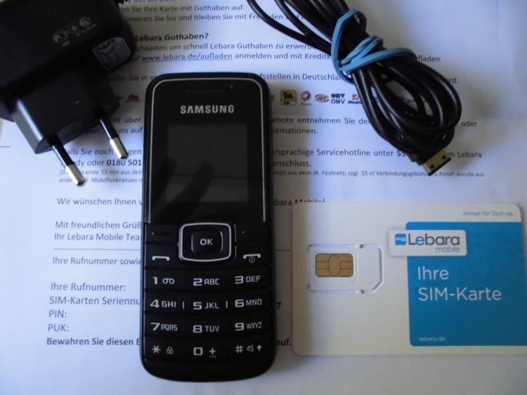 d1 prepaid karte Samsung GT E1050   Schwarz (Ohne SIM Lock) Handy mit D1 Lebara