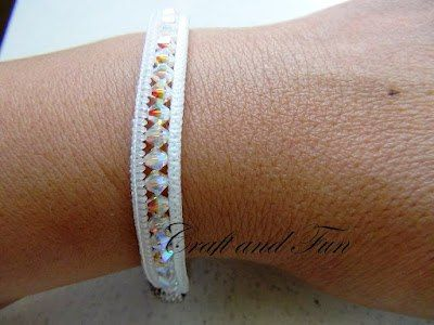 How to make a bracelet out of beads and a zipper