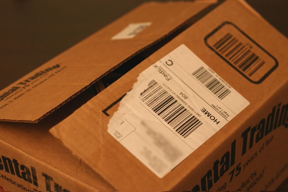 Remove Shipping Labels From Boxes Shipping Labels Labels Remove Labels