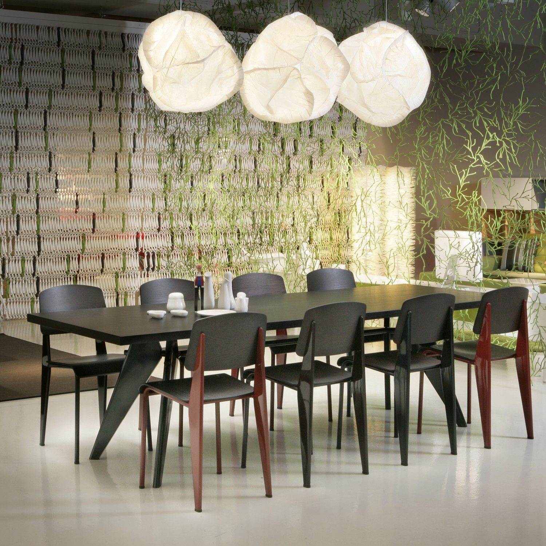 Standard Chairs Em Table De Jean Prouve Por Vitra Vitra