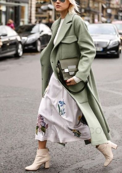 Green and florals. Spring street style inspiration.