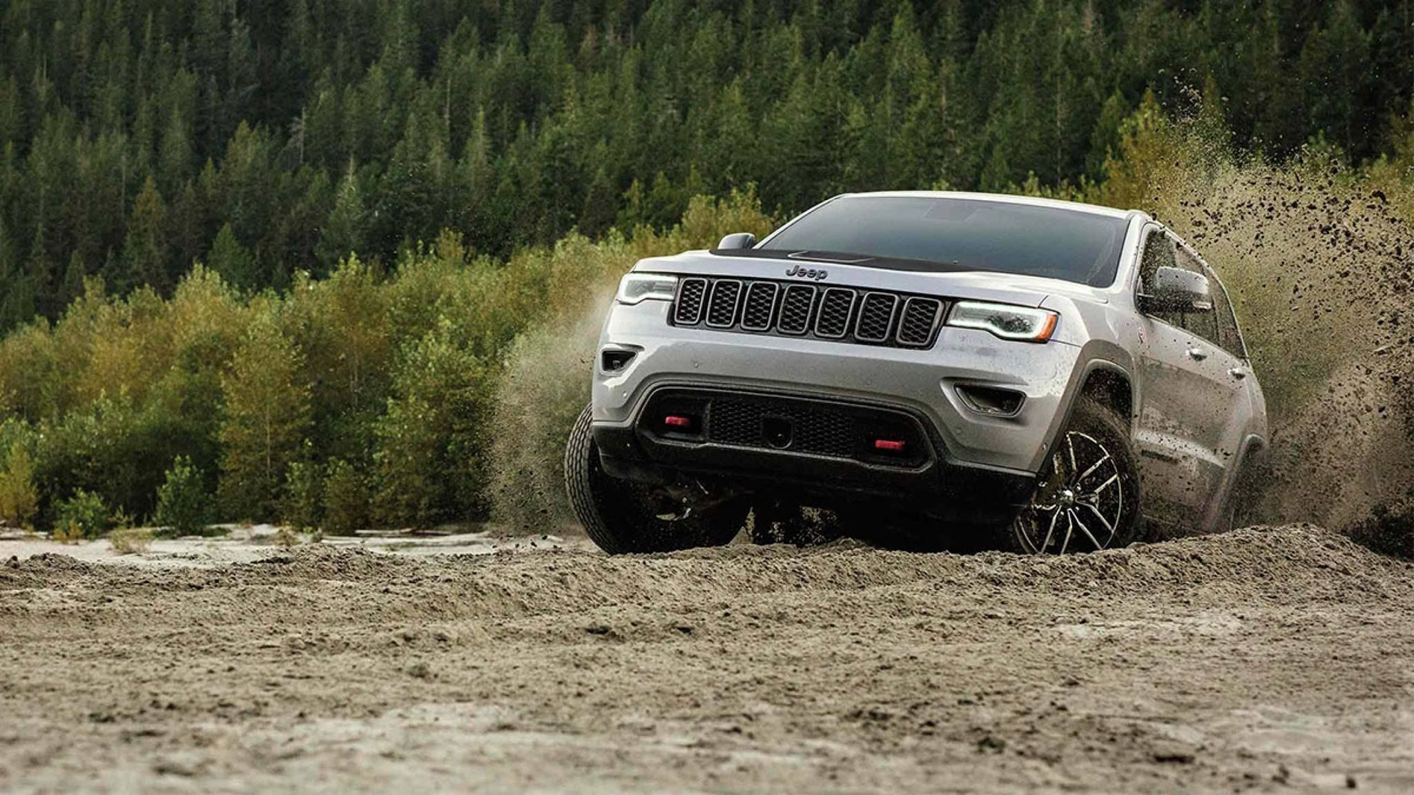 The Jeep Grand Cherokee Trailhawk A True Offroad Machine Best Small Suv Jeep Grand Cheap Used Cars