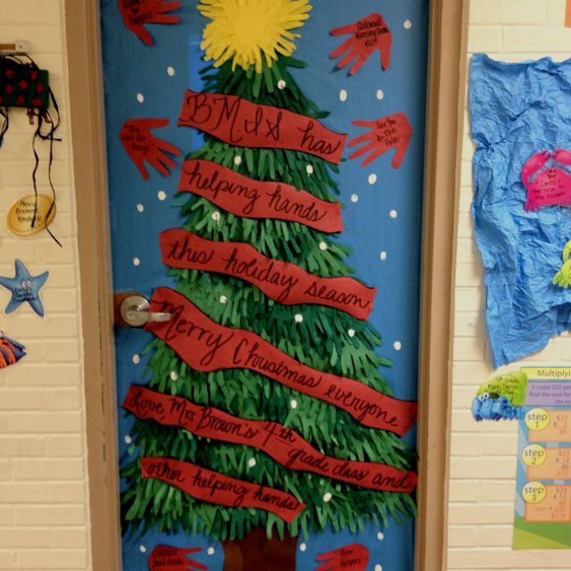 """Helping Hands"" Holiday Classroom Door Decorations"