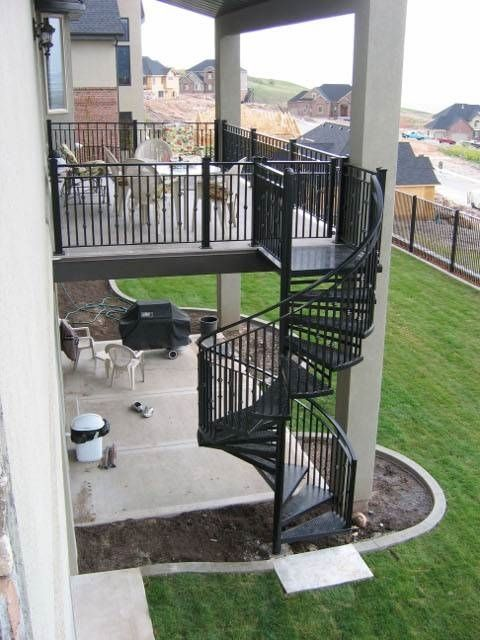Spiral Staircase Thru A Second Floor Porch Deck Yahoo Image | Outside Stairs To Second Floor | Steel | Entrance | Staircase | Patio | Deck