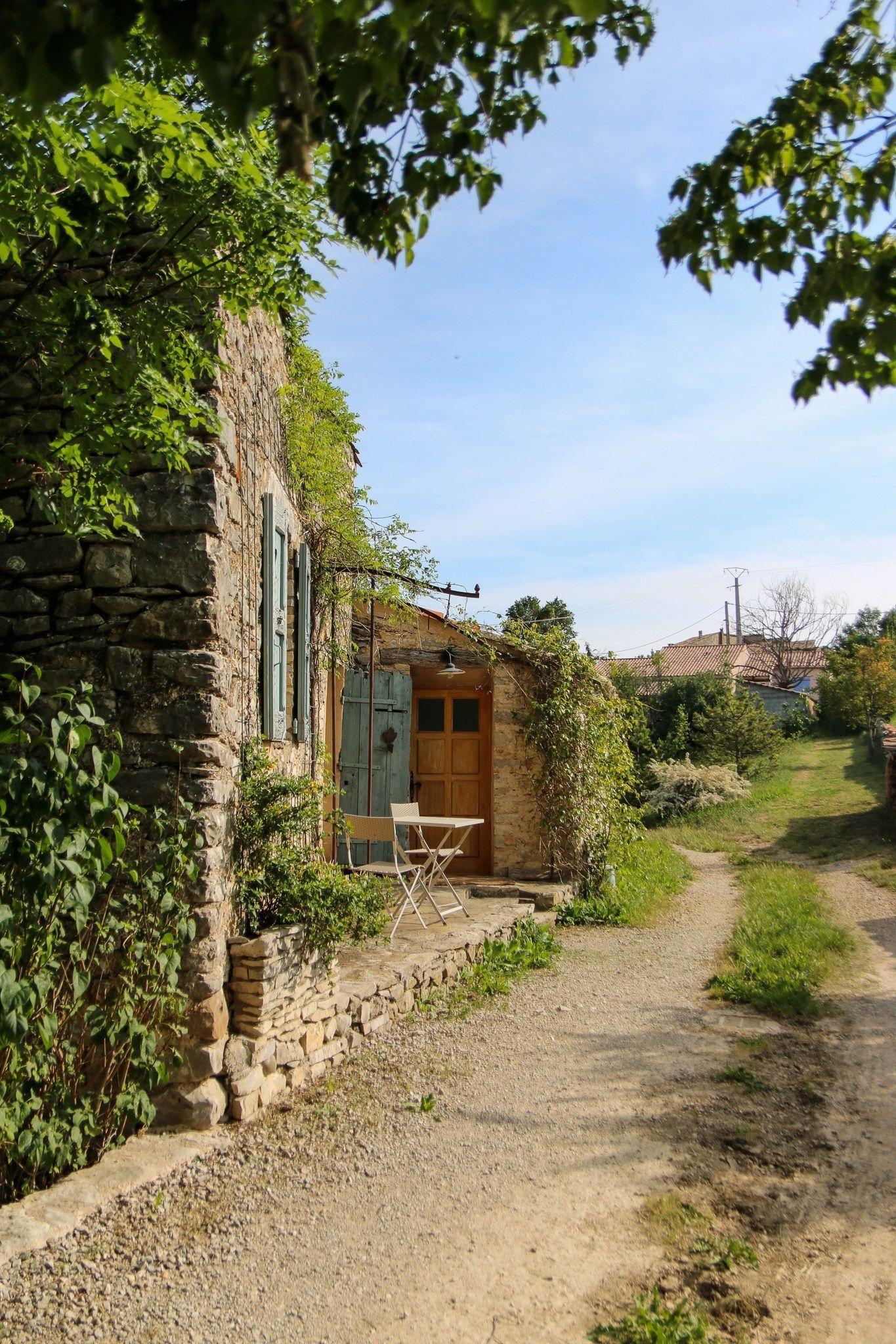 Escapade En Provence Avec Lothantique Piscine A Debordement Hotel De Ville Touriste