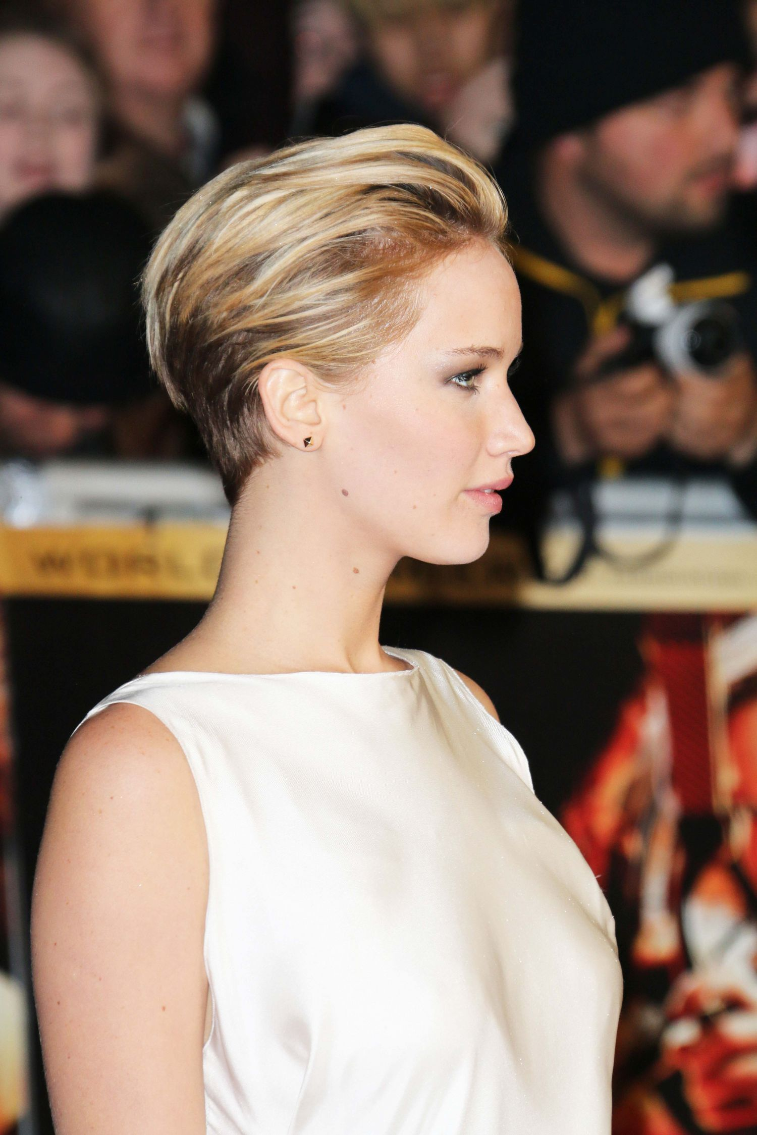 Perfect Red Carpet Look Jennifer Lawrence Short Hair Jennifer Lawrence Hair Short Hair Styles