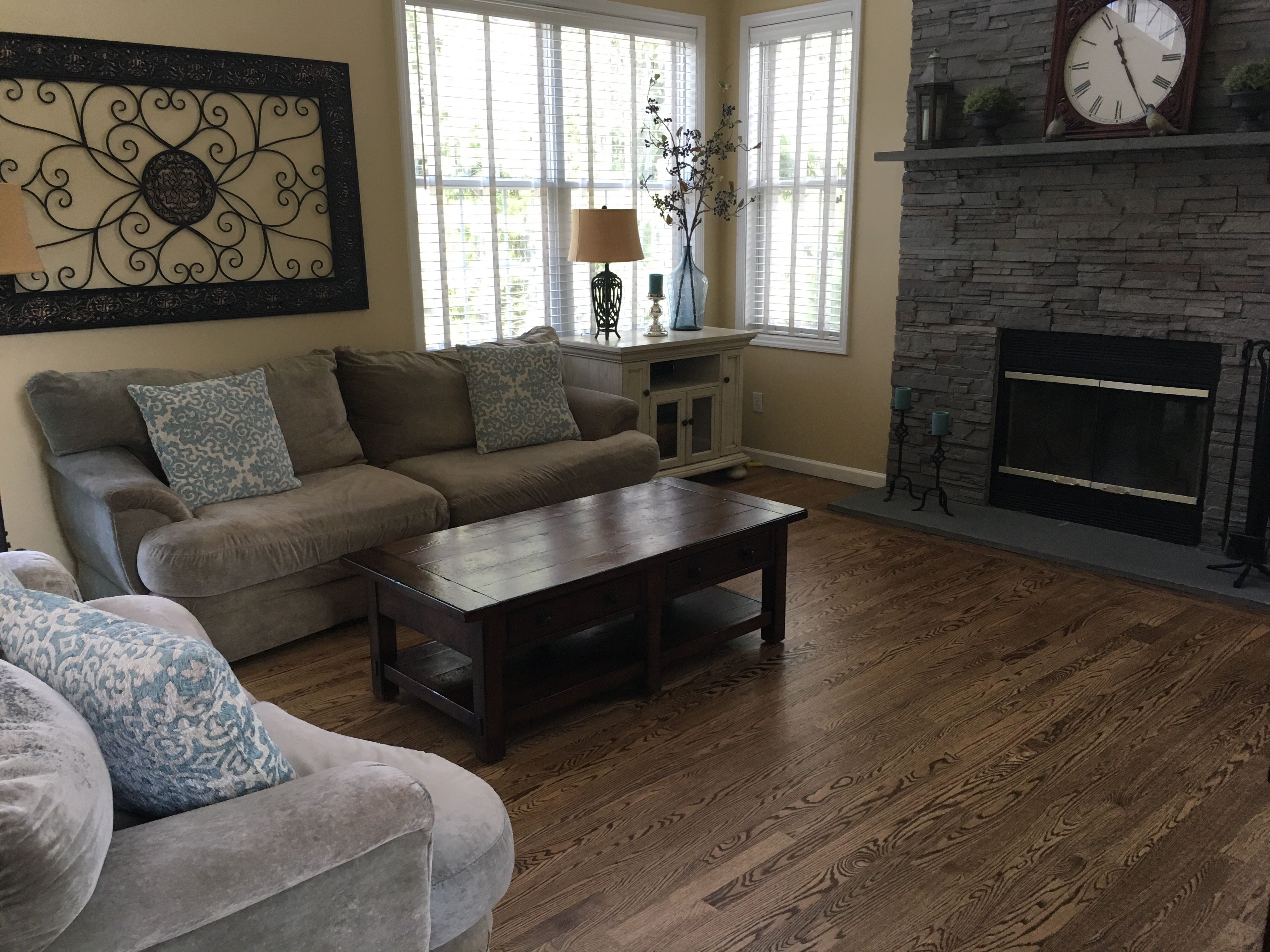 Red Oak Hardwood Floor Stained With Duraseal Medium Brown Wood Floor Colors Red Oak Floors Red Oak Hardwood Floors Stains #oak #floor #living #room