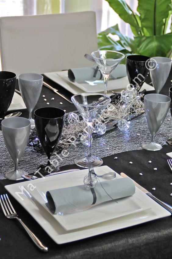 Décoration de table prête-à-poser Noir profond et argent avec nappe ...