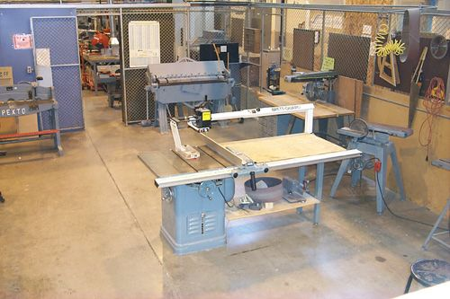 Small Wood Shop Layout Woodshop Pinterest Wood Woodworking