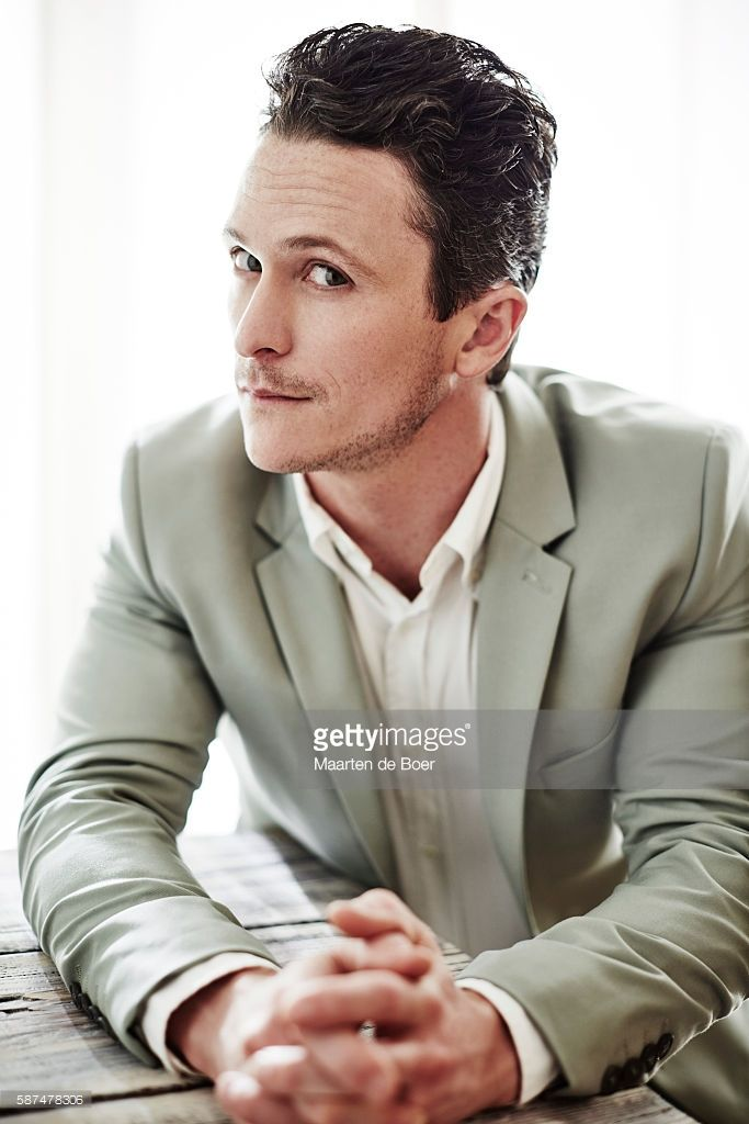 Nachrichtenfoto : Jonathan Tucker from DirecTV's 'Kingdom' poses...