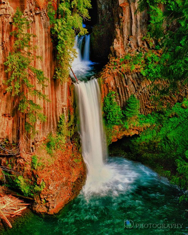 Places To Visit In The Fall In Usa: Toketee Falls, Near Diamond Lake, Oregon