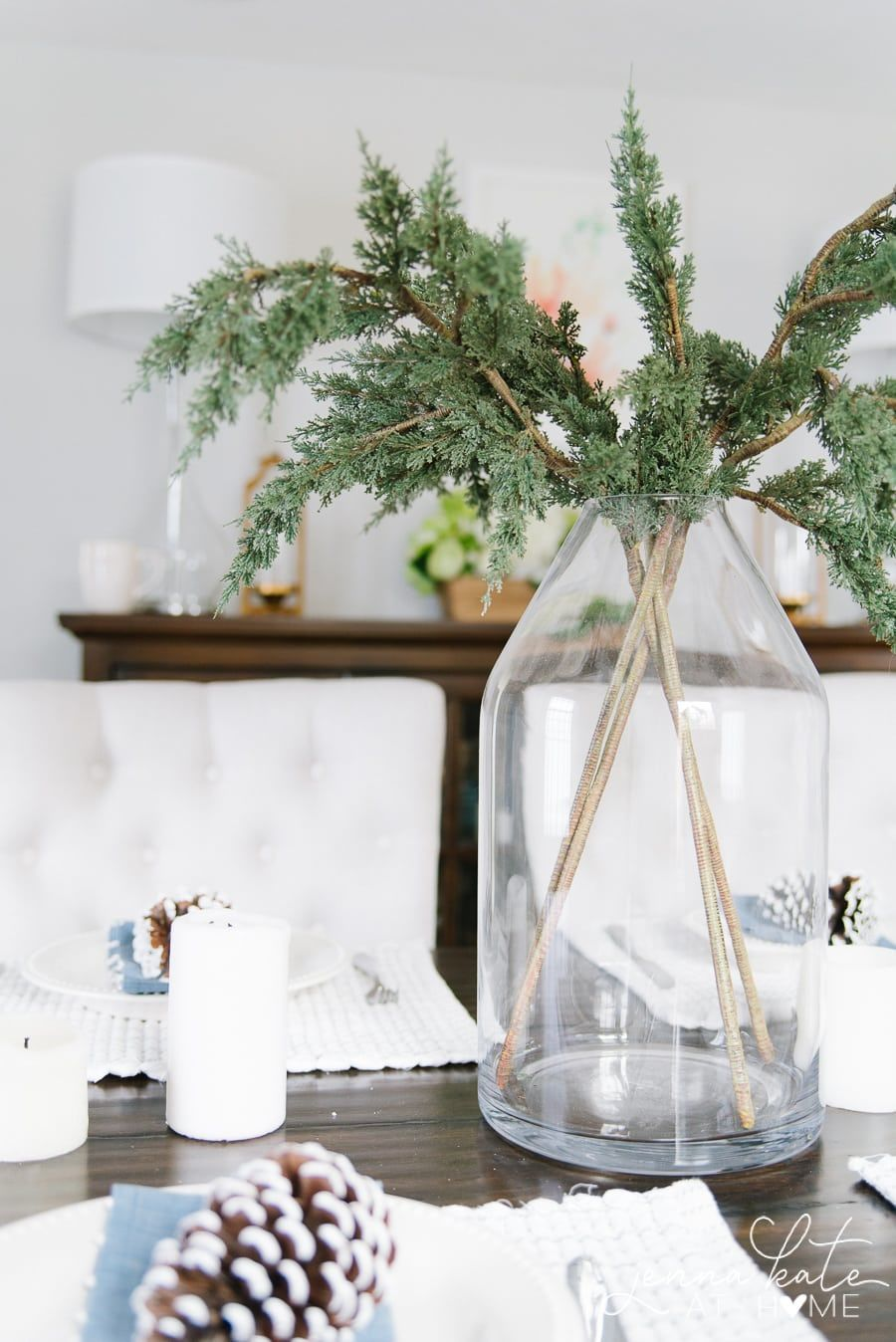 Simple Winter Table Decor In 2020 Winter Table Centerpieces