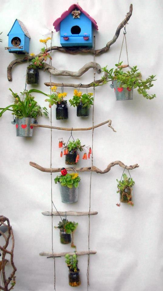 Il frutteto delle idee: VOGLIA DI TERRAZZO   Une échelle à plantes et oiseaux.