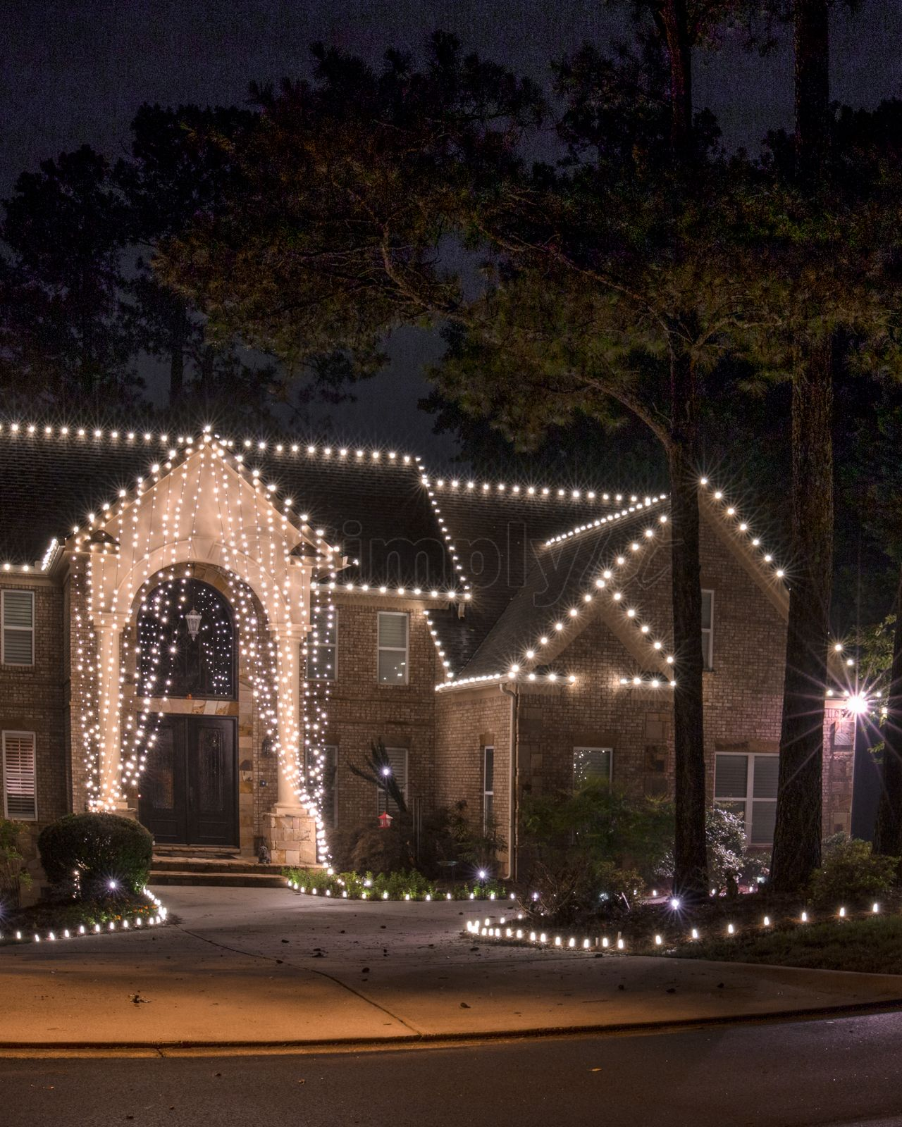 Another View Of The Light Curtain But Showing The Rooftop And Driveway Lit With C9 With Images Christmas Lighting Outdoor House Outdoor Christmas Lights Christmas Lights