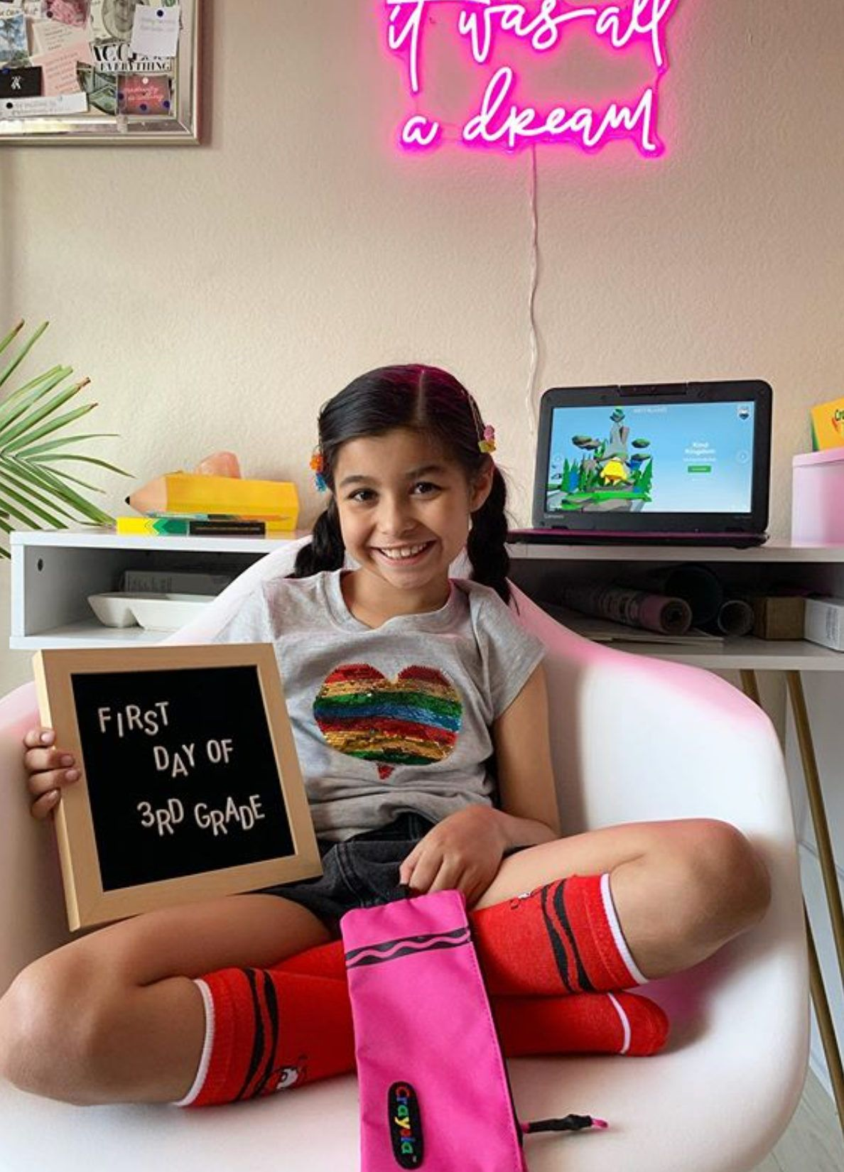 Back to school in #crayolafashion! We love to see your #crayola style! Repost: #crayolafashion #wearcreativity #kidsofinstagram #crayola #creativity