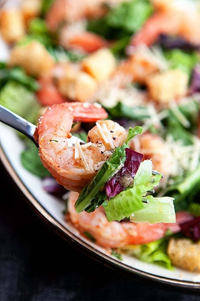 Garlic Shrimp Caesar Salad - Some the Wiser #garlicshrimprecipes