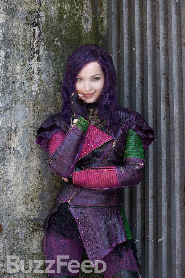 Maleficent's daughter Mal | Hailey | Mal descendants, Disney