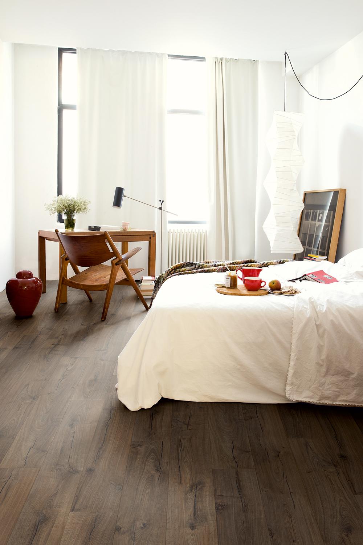 Maison Oak Quick Step In 2020 Bedroom Flooring White Laminate Flooring Waterproof Laminate Flooring
