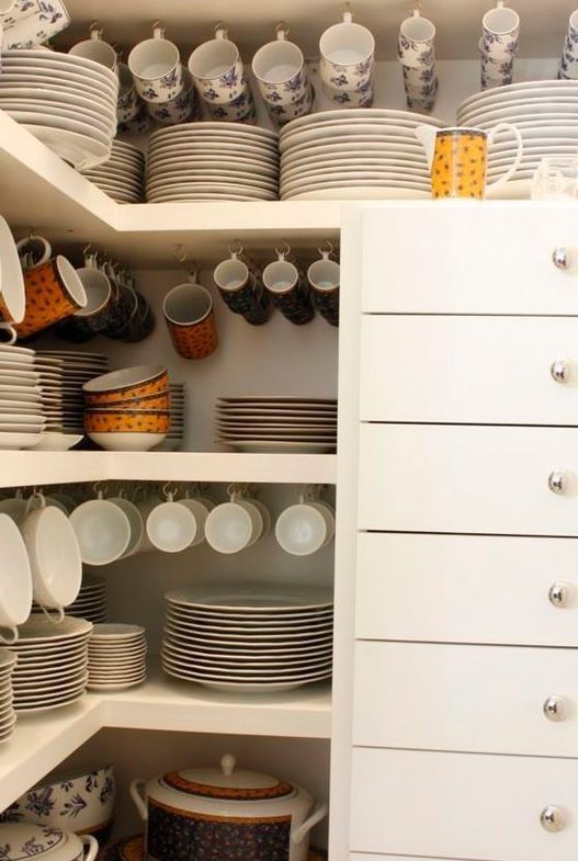Dish storage in a butlers pantry | Home - Kitchen and Pantry | Pinterest