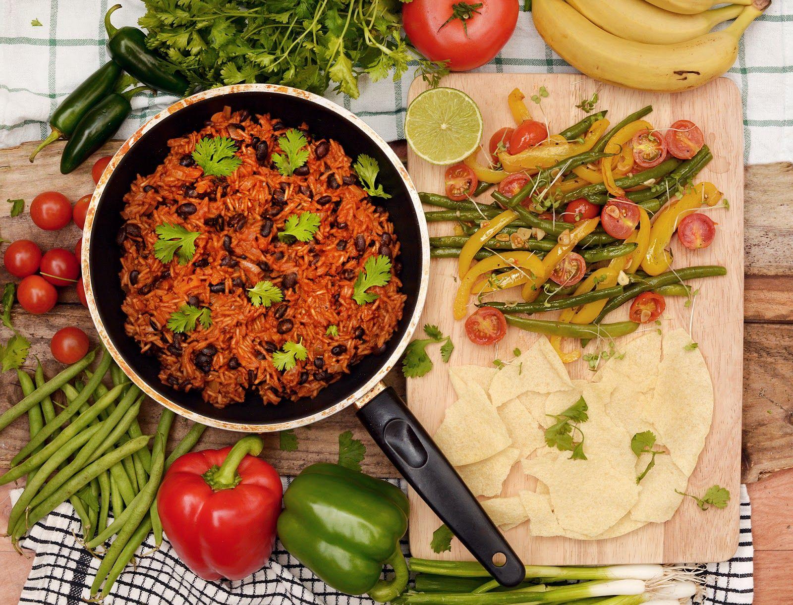 Wegetarianskie Przepisy Tanie I Szybkie Dania Domowe Warzywa W Kuchni Arroz Congri Kubanski Przepis Na Ryz Z Fasola Healthy Eating Food Vegetarian Recipes