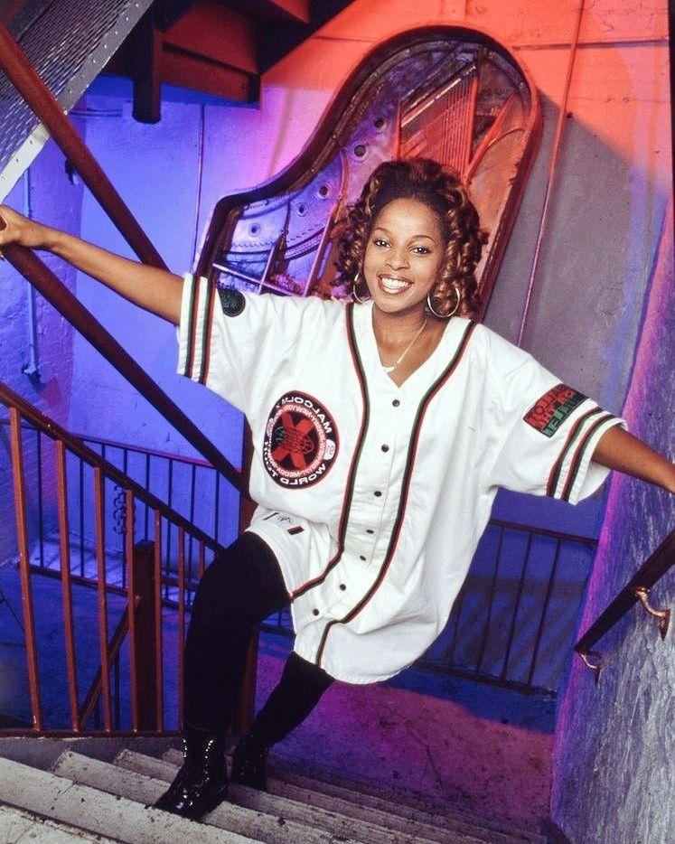 najwyższa jakość wyprzedaż hurtowa sprzedawane na całym świecie Mary J. Blige 1992 Whats's The 411? Era in 2019   90s hip ...