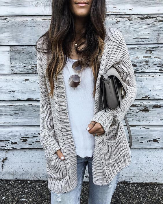 58d7126cbd 25 Chunky Knit Sweater Outfits For The Holidays