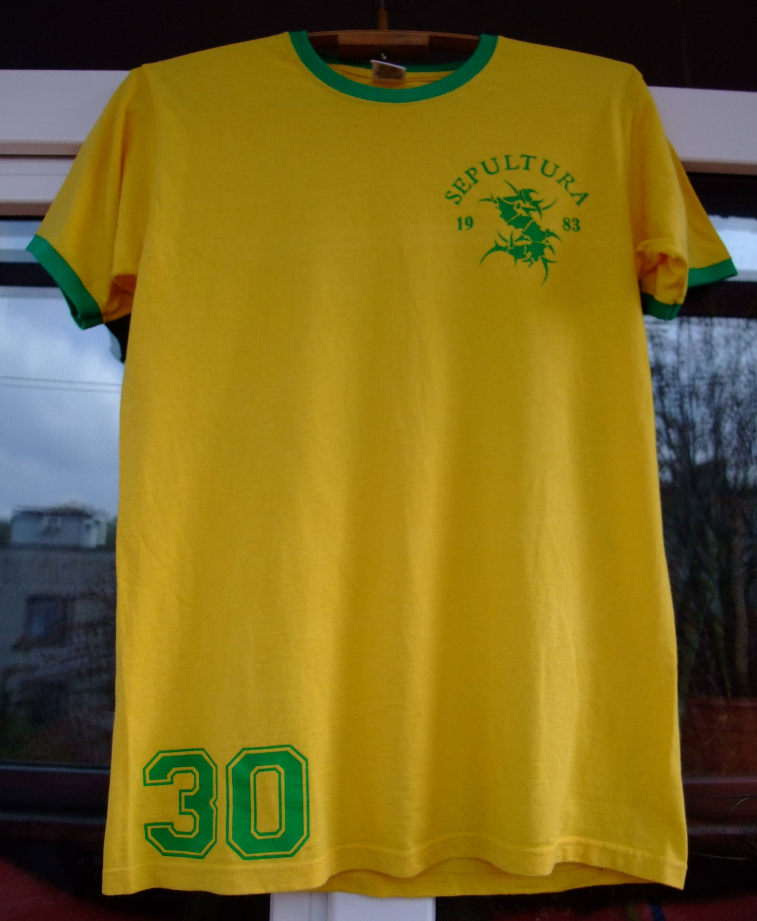 Sepultura 1983 football soccer BRAZIL   30 yellow