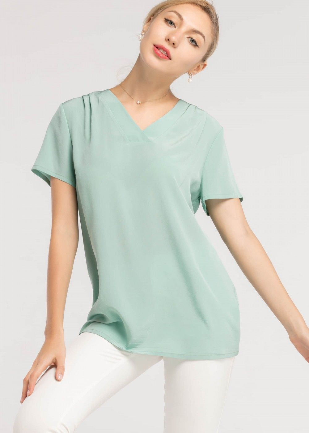 fd76cf63f5 Basic V Neckline Face Framing 16MM Silk T Shirt | Lilysilk ...