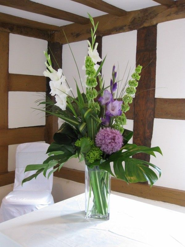 Gladiolus And Chrysanthemum August And November Birth Flowers Google Search Corporate Flowers Alter Flowers Lily Centerpieces