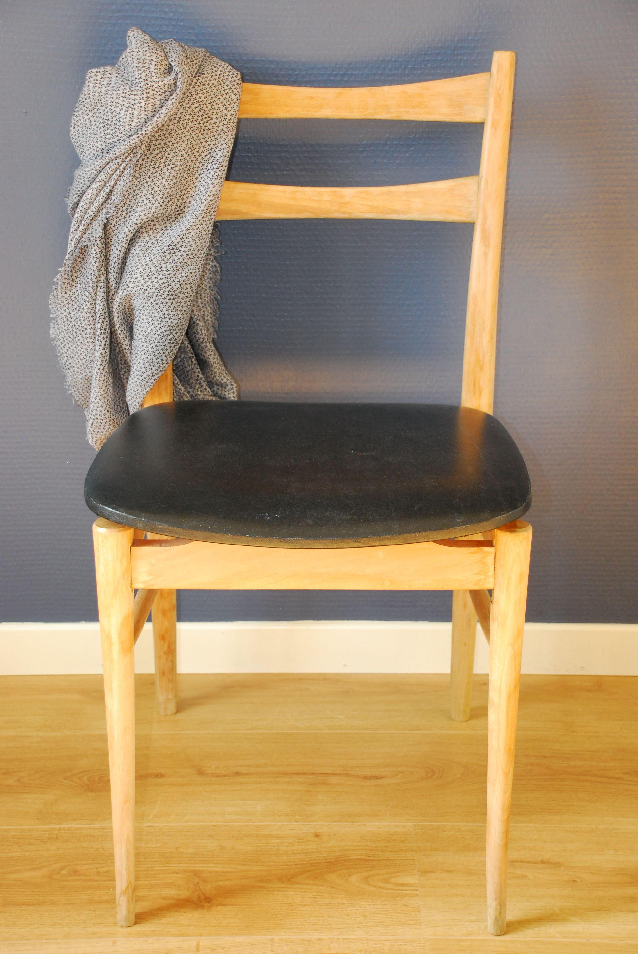 Chaise En Bois (décapé, Poncé Et Vernis) Et Skaï Noir #chaise