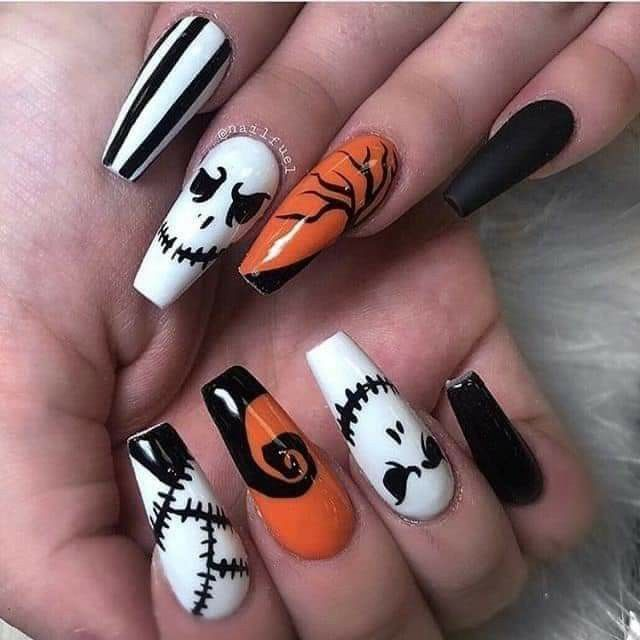 Pin By Hannah Mays On Nails In 2020 Halloween Acrylic Nails Cute Halloween Nails Halloween Nails Easy