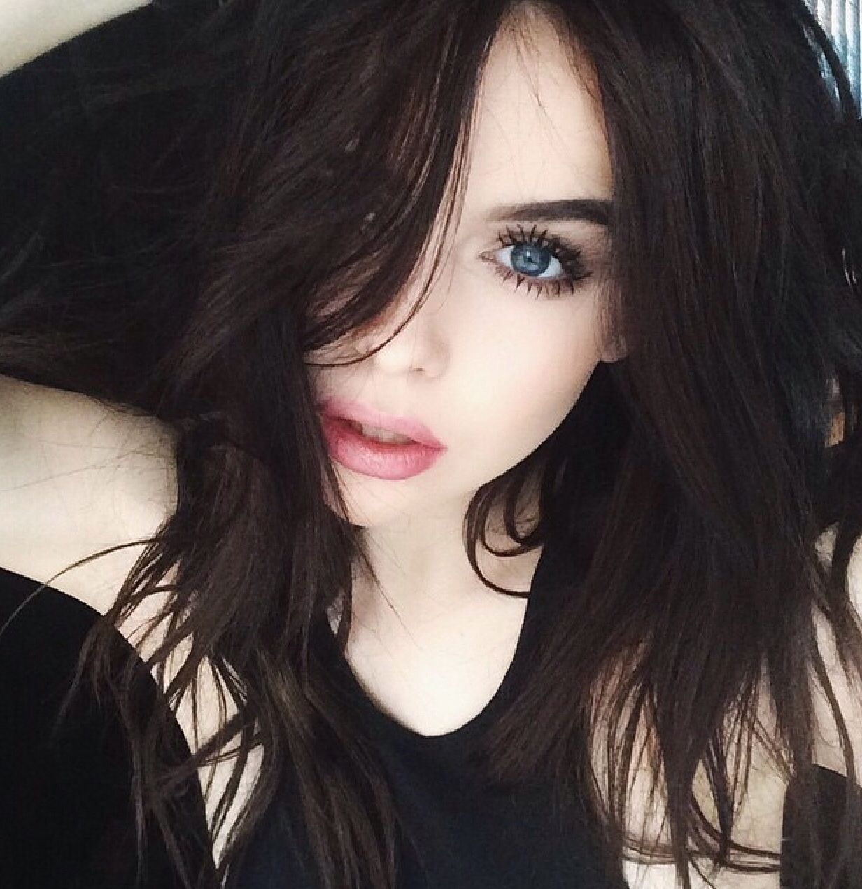 Pin by Soldier on Goth | Black hair pale skin, Pale makeup