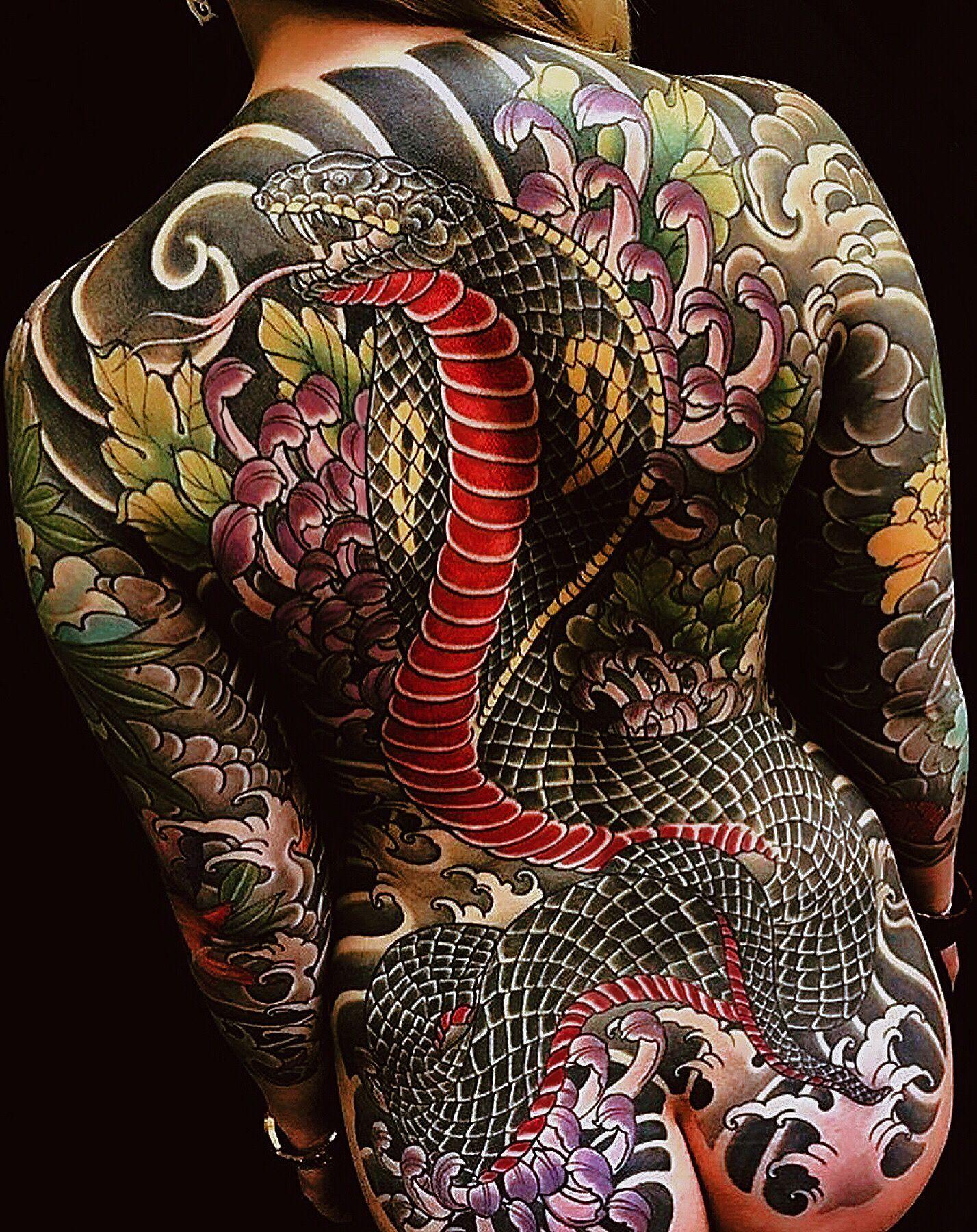 tatouage yakuza serpent