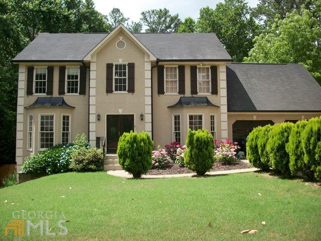 2000 Kerry Creek Dr Marietta Ga 30066 5 Beds 3 Baths House Styles Building A House Home