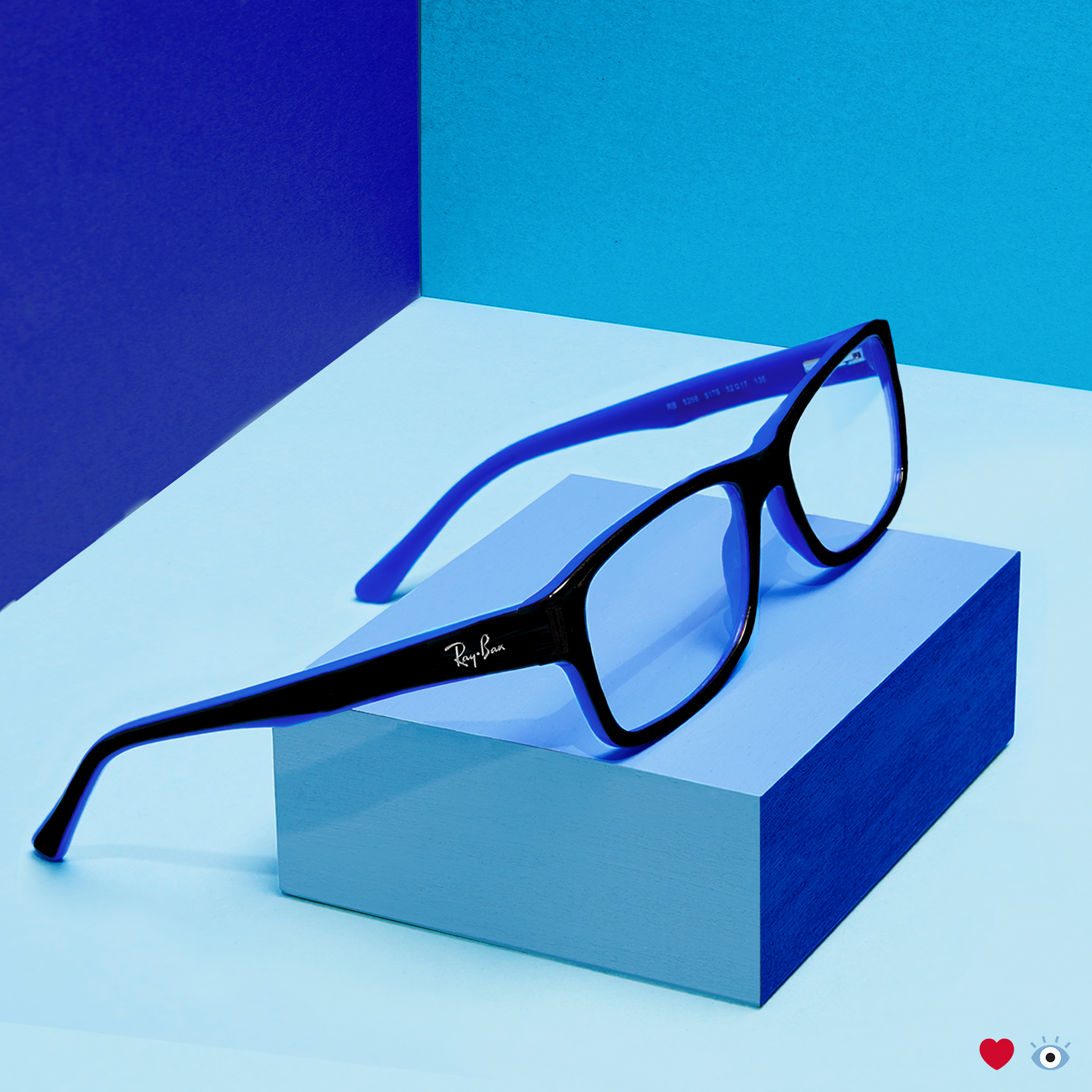 These two tone black and blue Ray-Ban Jr frames bring a fresh flash ...