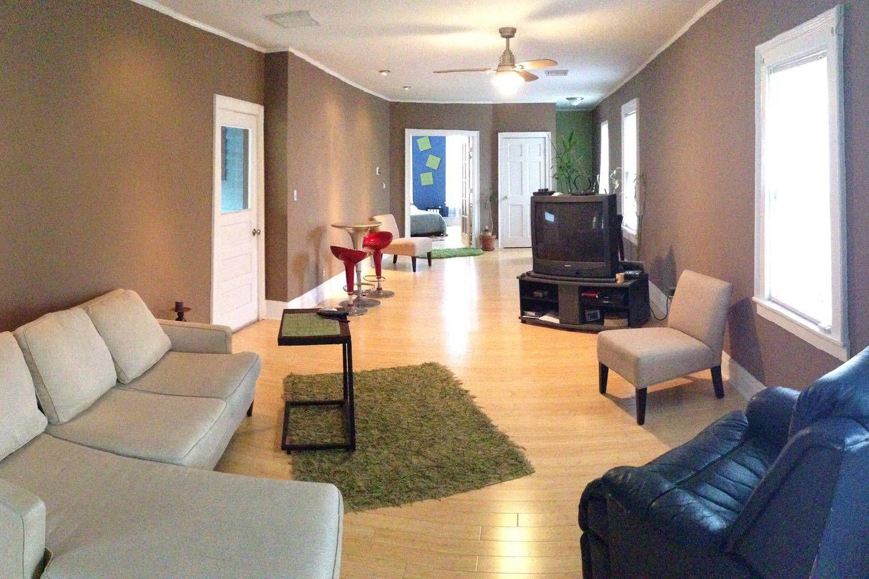 Super Beautiful Renovated 1 Br Allentown Vacation Rental In Interior Design Ideas Tzicisoteloinfo