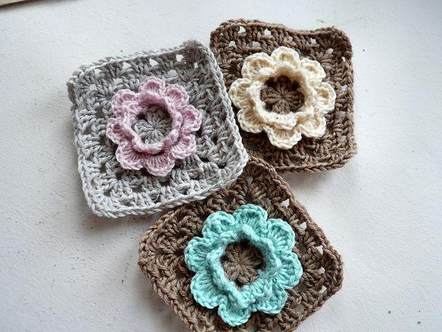 Granny squares | Crocheted Flower Motifs | Pinterest | Ganchillo ...