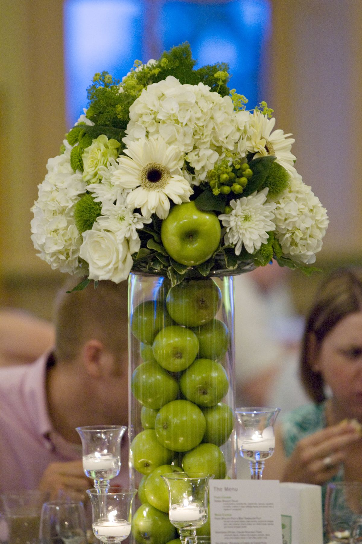 Green apple centerpiece plus pale pink would be lovely for Floral table decorations for weddings