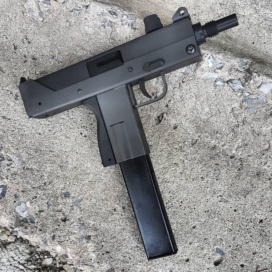 Pin by Oliver Macatubal on Guns | Hand guns, Guns
