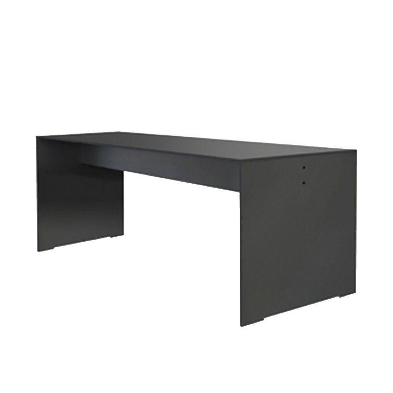 Riva Tisch von Conmoto im ikarus...design shop