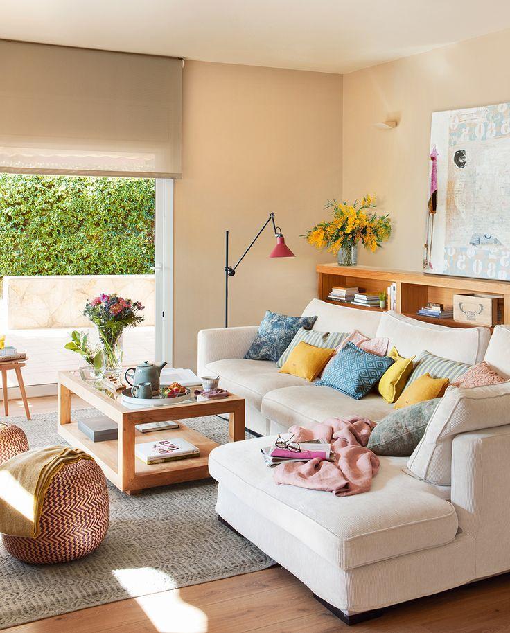 Sal n en tonos beige con salida a la terraza consejos - Wohnzimmer dortmund ...