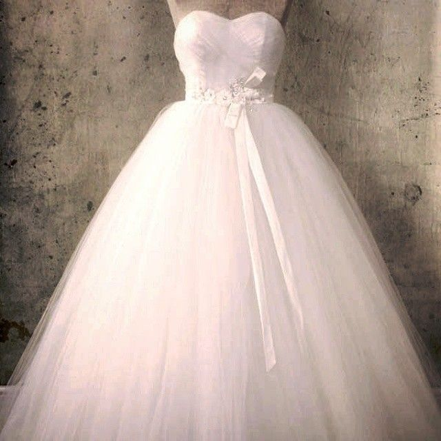 The Harlow #wedding #dress. A #beautiful Tulle Ball #gown