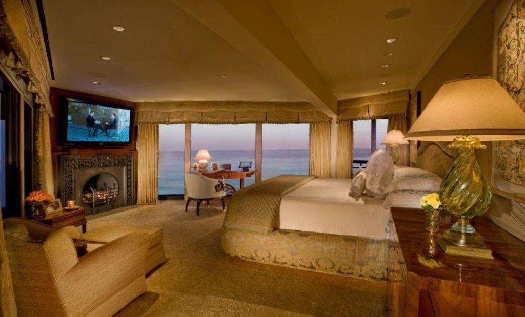 Sydney Kimmell Lists Johnny Carson S Former Malibu Compound Malibu Homes Johnny Carson Home