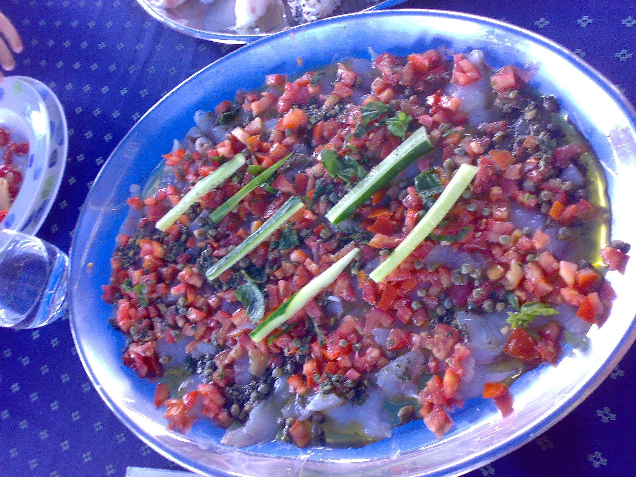 Pesce marinato con capperi / Marinated fish with capers