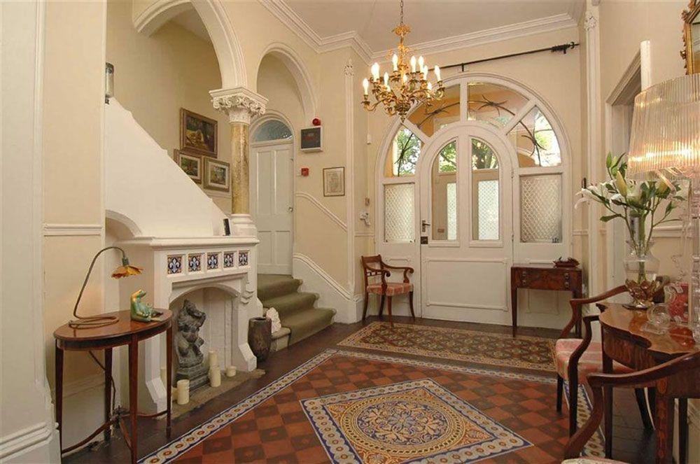 Modern Gothic Interior Design With Its Characteristics & Modern Gothic Interior Design With Its Characteristics | Modern ...