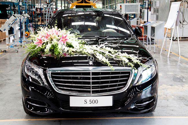 Giá Xe Mercedes E250 - 0945 777 077: Mercedes-Benz Việt Nam xuất xưởng chiếc S-Class đầu tiên chào đón năm mới