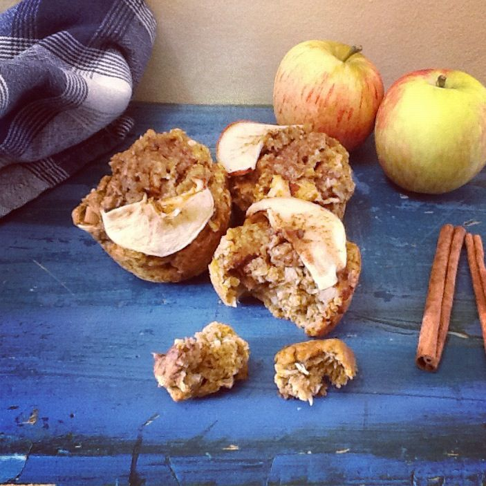 Pumpkin, apple and cinnamon muffins. Healthy, vegan and fat-free!