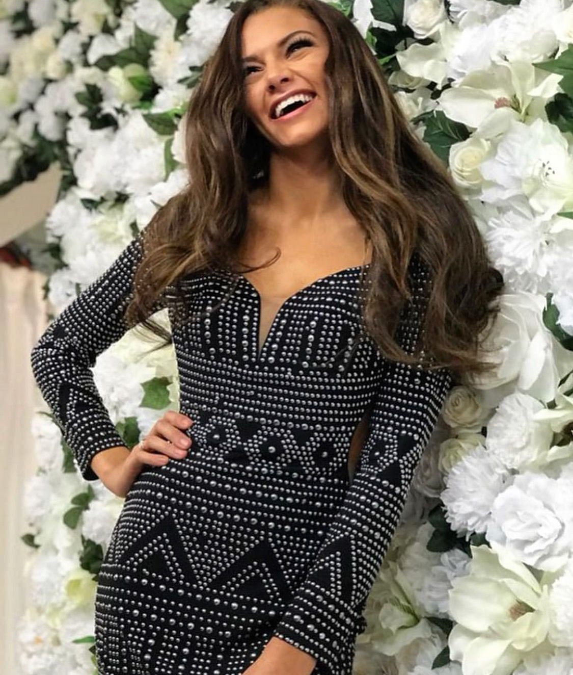 39136669a2 A Sunday well spent brings a week of content!!! ♥ ♥  Muzzies  Muzziesprom   lafemme  homecoming  prom  houston  texas  shop  flowers  flowerwall