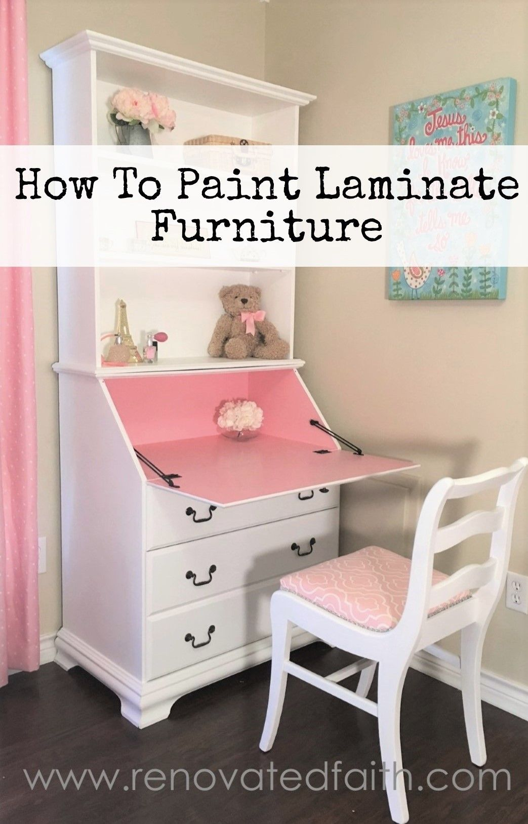 Photo of How To Paint Laminate Furniture {So It Looks Like Painted Wood}